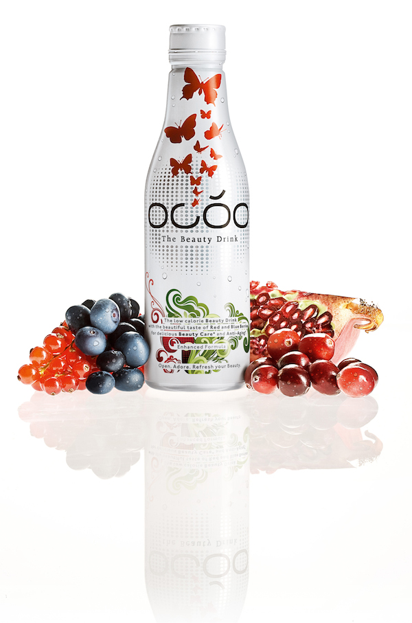 OCOO The Beauty Drink - Bottle with Fruits