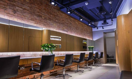 PHOENIX Tries London's First Holistic Blow-Dry Bar